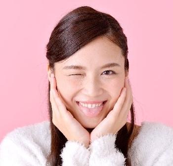 舌が白い原因は何かの病気なの? 薄くすることはできる?