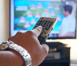 テレビの反応が遅いのは何故?早くするには?