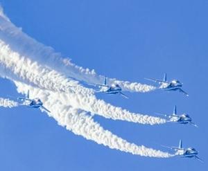 南紀白浜空港開港50周年記念行事!ブルーインパルスはいつ飛ぶ?