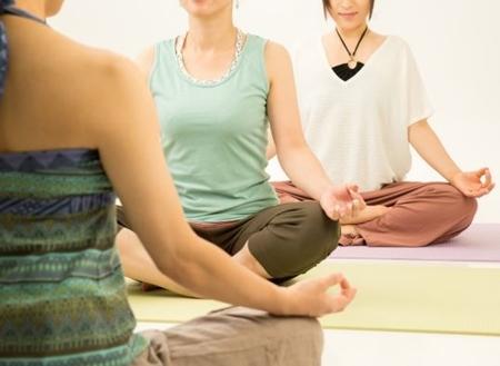 瞑想とマインドフルネスの違い!効果があるのはどっち?