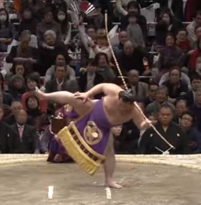 弓取り式の由来は?弓取り式をする力士の給料はどれくらい?