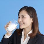 牛乳は体にいいのか悪いのか 本当はどっち?