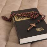 旧約聖書と新約聖書の違いをわかりやすく解説すると?